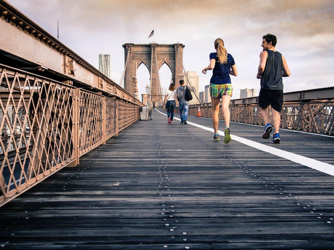 Faire le sport à plusieurs est plus efficace que le faire tout seul.