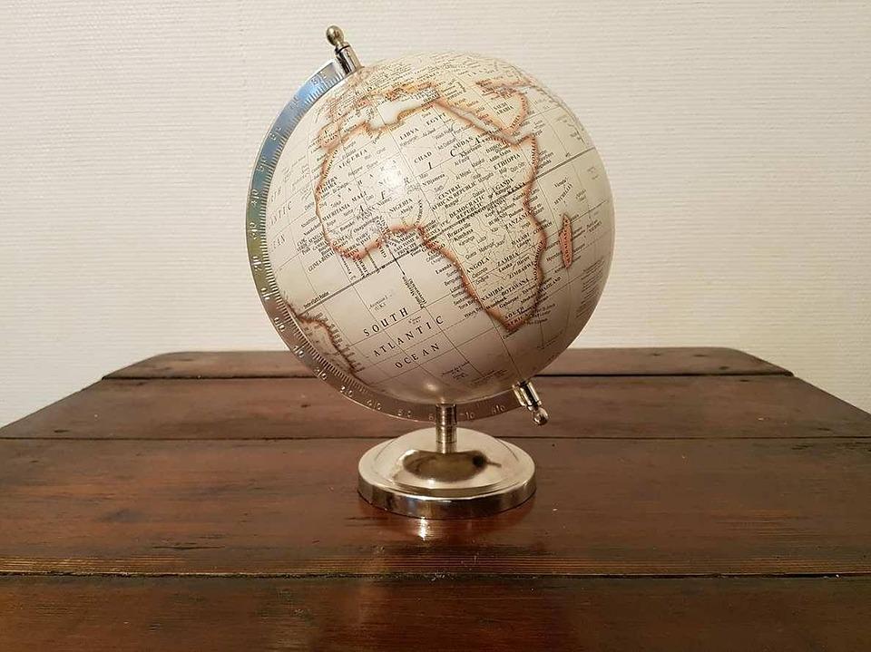 La mappemonde un accessoire de décoration imposant dans notre maison.